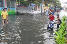 Southern region suffers from high tide peaking