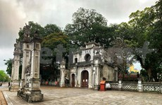 Hanoi's iconic tourist sites sit empty