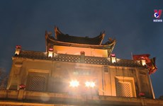 Night tour of Thang Long imperial citadel wows tourists