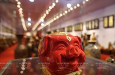 Pottery village makes piggy banks for Tet