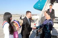 Top legislator pays official visit to France