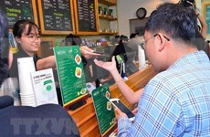 Vietnamese people aiming for a cashless society
