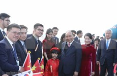 PM arrives in Busan to attend ASEAN-RoK Commemorative Summit