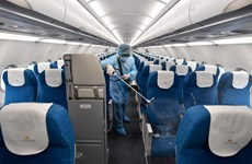 Airlines work hard to protect customers' health amid epidemic outbreak