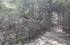 Rock fence - Mong's unique architecture