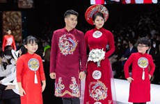 Ao Dai designer presents new collection at catwalk show