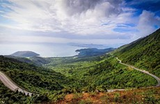Hai Van pass, the best coast road in central Vietnam