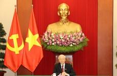 Vietnamese, Cuban Party leaders hold phone talk