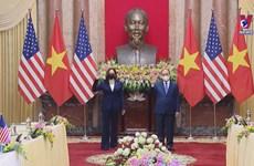President Nguyen Xuan Phuc receives US Vice President