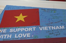 Japanese people cheer on Vietnam's ParaGames athletes