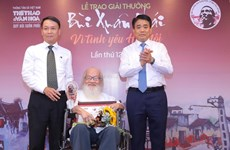 Bui Xuan Phai Awards: Idea to clean up To Lich River honoured
