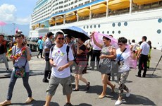 Bahamas-flagged luxury liner docks in Thua Thien-Hue
