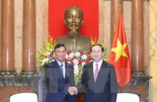 President pledges to encourage investment to Myanmar