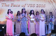 Vietnamese students hold charitable event in Singapore