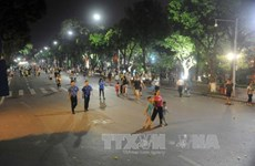 Hanoi continues to pilot walking streets