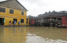 Flooding limits travel in Hoi An ancient city