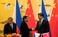 China offers Philippines weapons for drug war