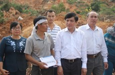 Flood-hit people in Khanh Hoa get support