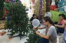 Sellers get creative for lucrative Xmas season