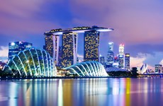 Singapore's economy grows over 1 percent in 2016