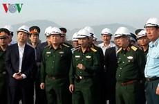 Minister inspects dioxin decontamination at Da Nang airport