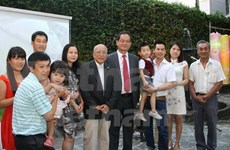 Vietnamese people in Argentina, Malaysia celebrate Tet