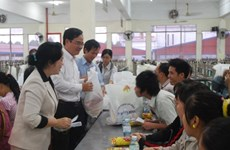 HCM City makes efforts to ensure warm Tet for all people