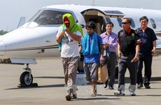 IS-linked militants release two Filipino hostages