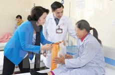 NA Chairwoman pays Tet visit to hospital K