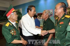 Deputy PM meets former revolutionary prisoners