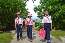 Island teacher inspires students