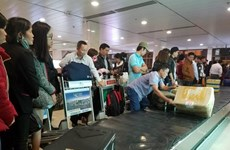 Nearly 500 flights delayed during Tet holidays