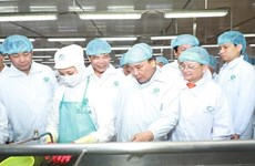 PM tours shrimp processing corporation in Ca Mau