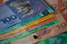Malaysia considers taking measures to stablise ringgit