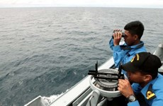 Malaysia: Boat capsizes, leaving 13 missing