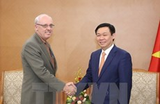 Deputy PM welcomes US public policy professor