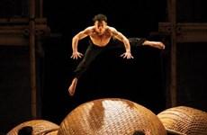 Vietnamese circus dance delights Australian audiences