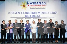 Foreign ministers agree to turn ASEAN into example of regional organisation