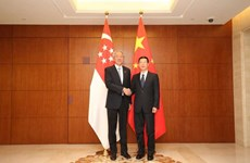 Singapore, China boost bilateral ties