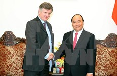 Gov't leader welcomes French airport group's investment in Vietnam