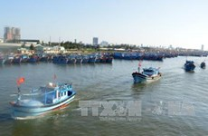 Da Nang supports local fishermen