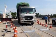 Despite crackdown, overloaded vehicles spotted
