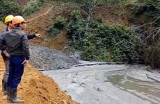 Broken pond pollutes rivers, kills fish