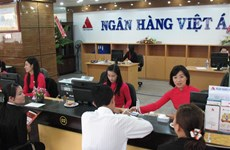 Some banks enter new rate race