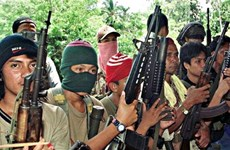 Philippine gov't, insurgent group resume peace talks