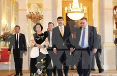 Vietnam's parliament leader meets with Hungarian President