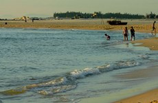 Quang Tri beach tourism recovers from environmental incident