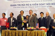 Vietnamese, US associations sign management accounting deal