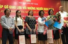 Vietnamese, Cuban writers share experience