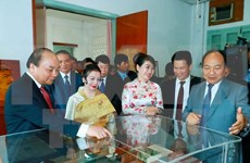 Prime Minister wraps up official visit to Laos